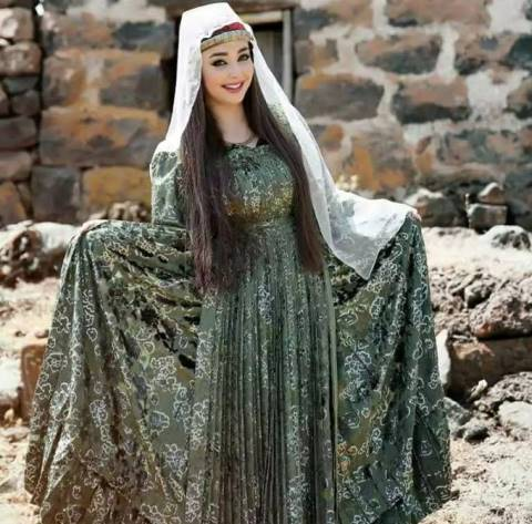 التنورة والمملوك من الأزياء الشعبية والتراثية لأبناء جبل العرب-صور