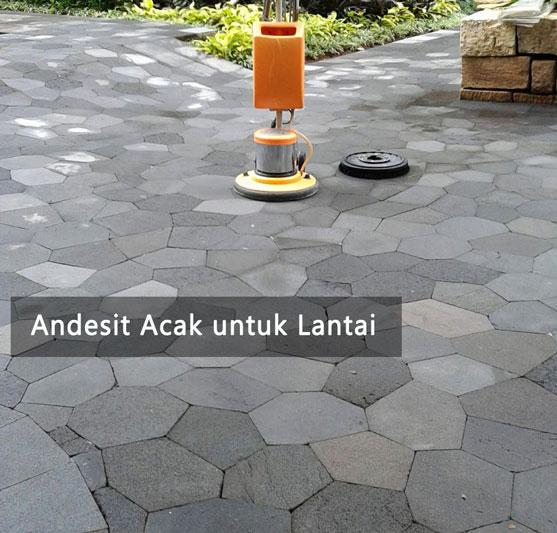 pemasangan batu andesit acak untuk lantai