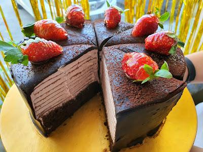 Strawberry Crepe Cake Cirebon, Birthday Cake Cirebon, Kue Ulang Tahun Cirebon, Custom Cake Cirebon, Bakery Cirebon, Toko Kue Cirebon