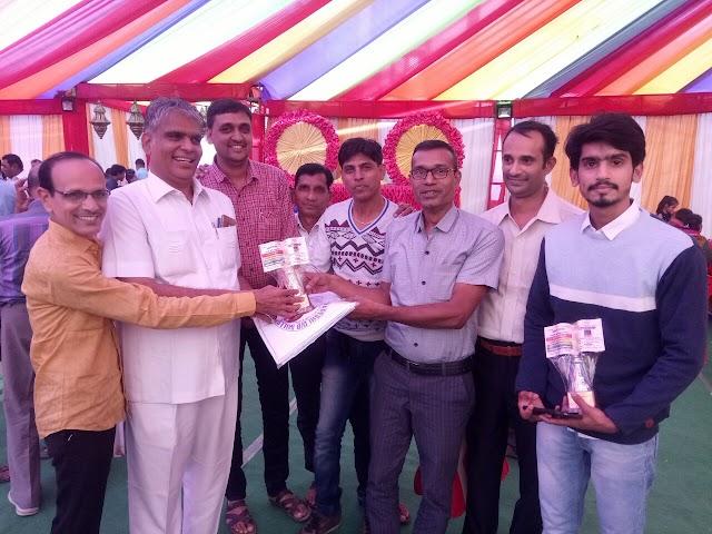 पूज्य श्रीधर्मदास स्थानकवासी जैन स्वाध्यायी संघ ने किया स्वाध्यायियों का सम्मान | Pujy shri dharmdas sthankavasi jain