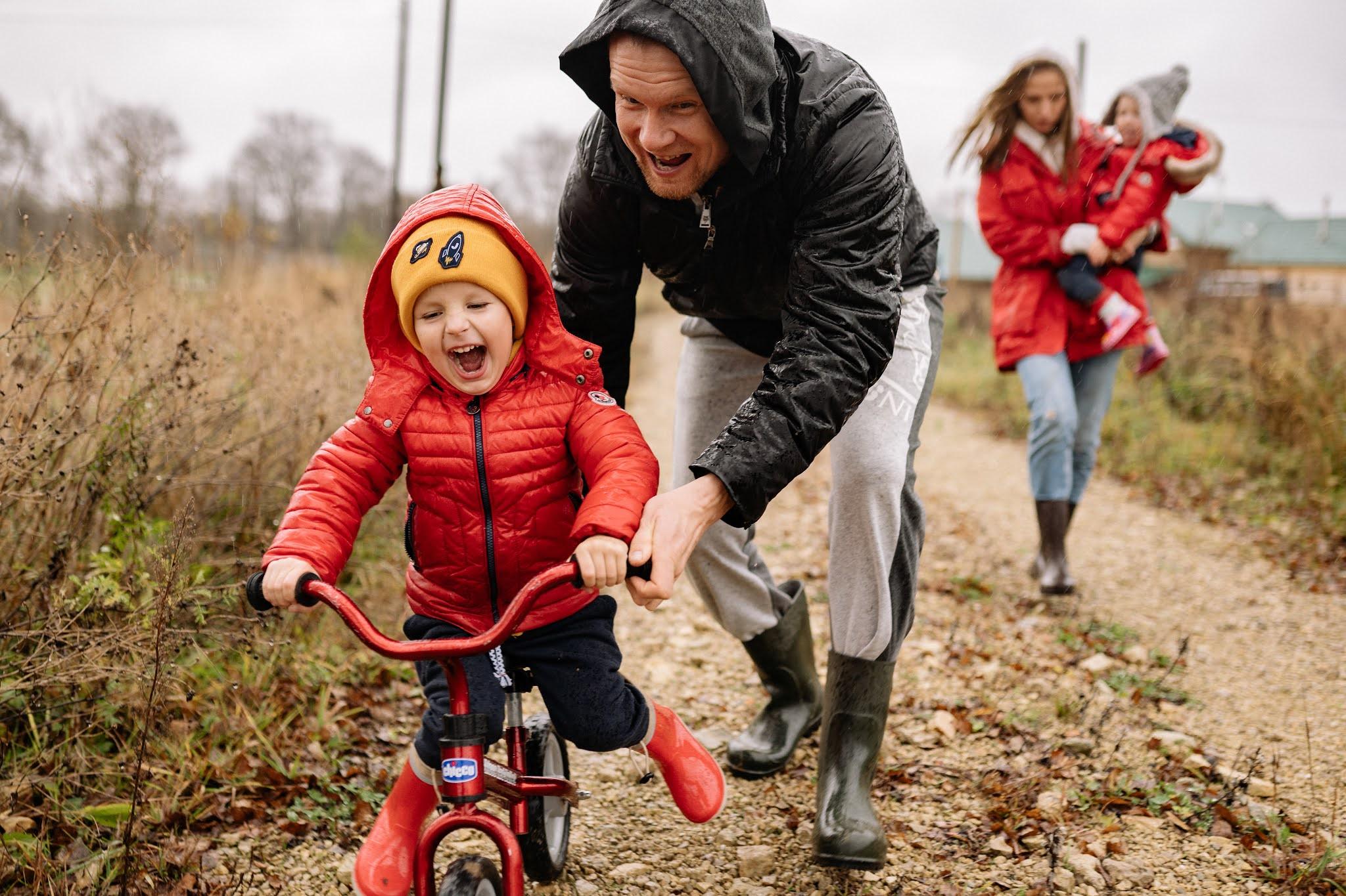 Wybieramy pierwszy rower dla dziecka – przegląd oferty smyk.com