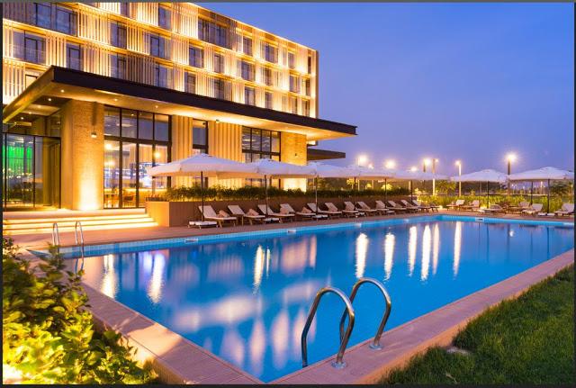 Radisson, une étoile au cœur de Diamniadio au Sénégal : Hôtel, Radisson, Diamniadio, restaurant, piscine, bar, buffet, plat, cuisine, séminaire, réunion, voyage, loisir, LEUKSENEGAL, Dakar, Sénégal, Afrique