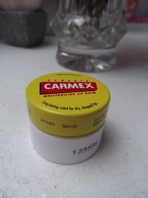Carmex  balzam na pery