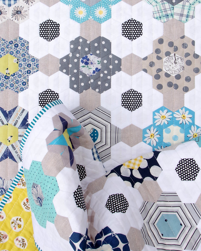 B is for Blues ~ A finished Hexagon Quilt © Red Pepper Quilts 2020