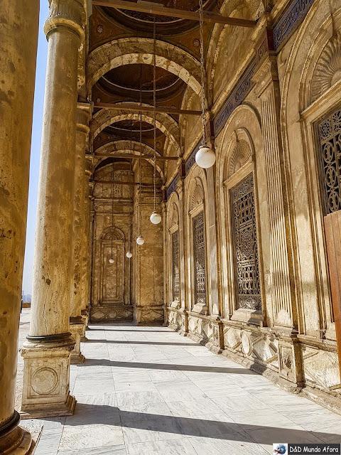 Corredor do Pátio da Mesquita de Mohamed Ali na Cidadela de Saladino