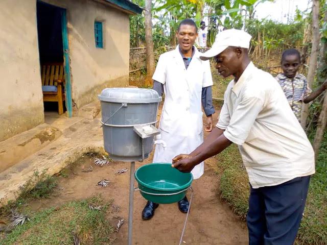 В медцентре, созданном бахаи в деревне в Демократический республике Конго.