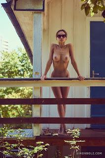 Hot Girl Naked - 01-forbidden-fruits-simon-bolz.jpg
