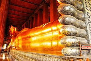 Patung Budha Berbaring