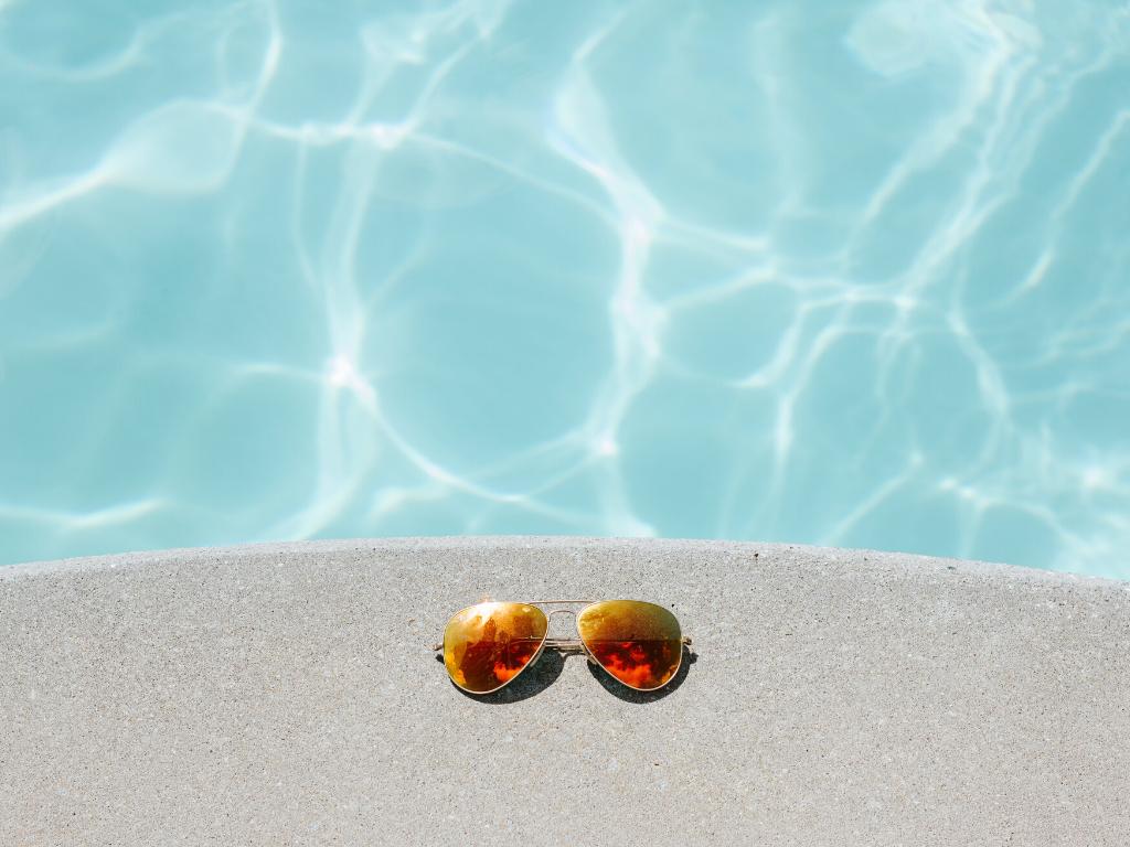Czy okulary przeciwsłoneczne z sieciówek chronią przed promieniowaniem UV? Przegląd modeli okularów z ZARA, MANGO, STRADIVARIUS i ZALANDO