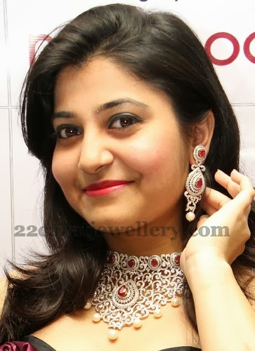 Chubby Girl In Dazzling Necklace Jewellery Designs