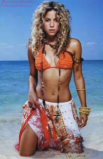 Gerard Piqus Girlfriend Shakira Is Best Selling Singer