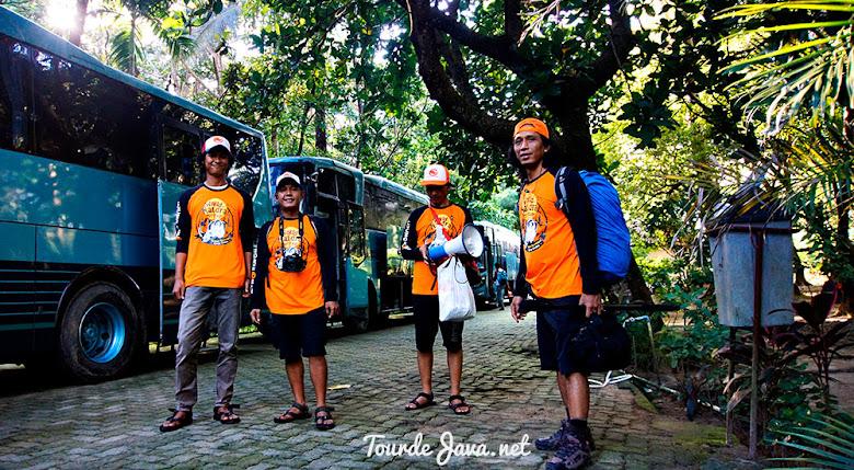 parkir bus besar atau big bus ciputih resort