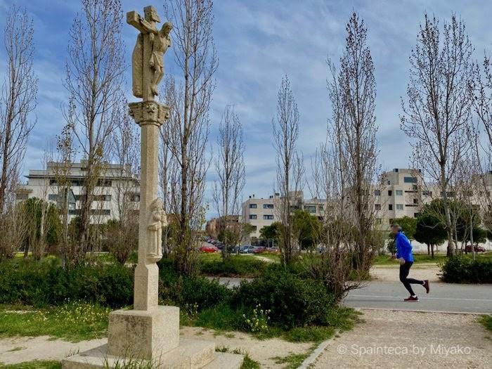 Camino de Santiago サンティアゴの巡礼ルートを示す十字架