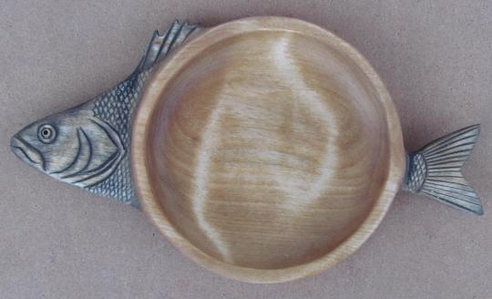 подарок рыбаку - тарелка для вторых рыбных блюд из дерева
