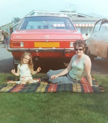 1970s car picnic
