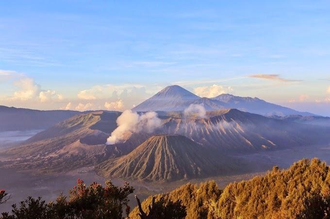 Karena Wabah, Gunung Bromo Ditutup Sementara hingga Pertengahan Tahun 2020