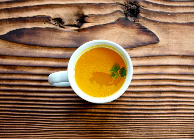 Beneficios del Té de Cúrcuma (Tumeric Tea): alivia el dolor y la inflamación
