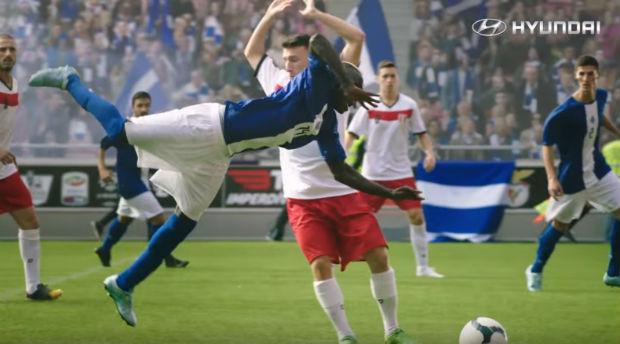 Dans sa dernière pub, Hyundai se moque des footballeurs