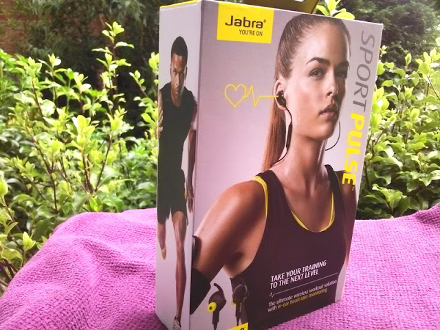 Jabra Sport Pulse Biometric Earbuds Amongst Middle Charge Per Unit Of Measurement Monitor!