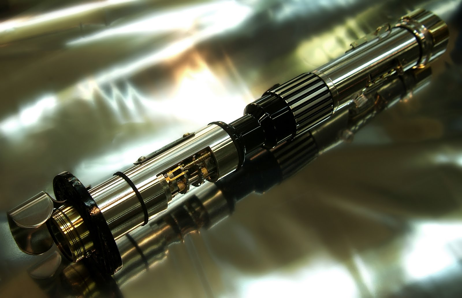 Battery Kill Switch >> RO-LIGHTSABERS: The Talim Tahimik for Jedi Yar-Nala