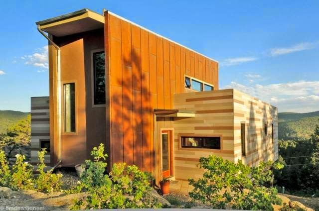 Montaintop House Made of Shipping Container in Colorado