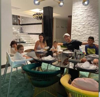 Cristiano #Ronaldo with family 😍 #CR7 #Juventus