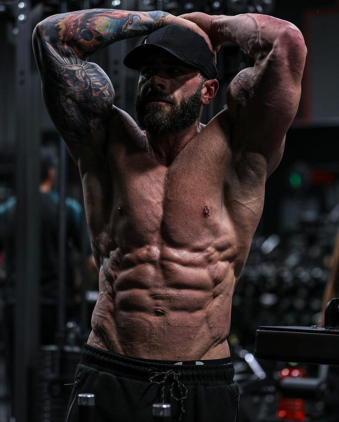 bearded-dilf-parker-egerton-abs-flex-bearded-sexy-daddy-gym-hunk