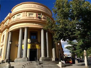 Edificio de la Facultad de Medicina donde se encontrará el coworking para emprendedores granadinos