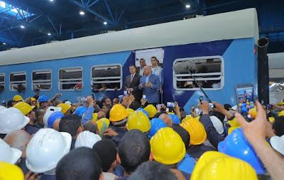 تجمهر أفراد شرطة احتجاجًا على دفع تذكرة القطار أثناء وجود كامل الوزير