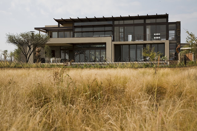 Modern Serengeti House by Nico van der Meulen Architects as seen from the field