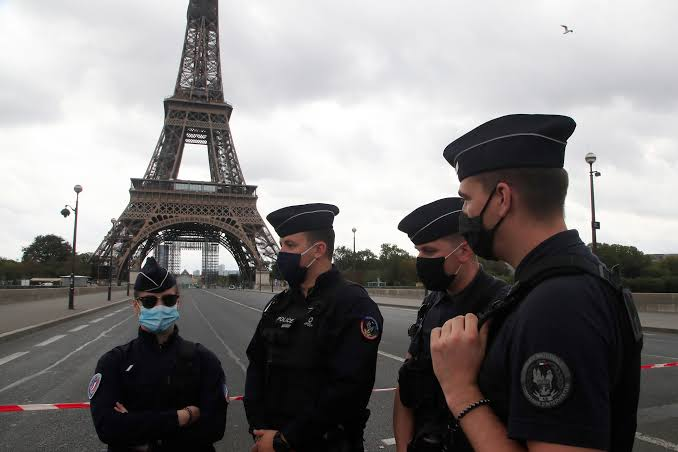 Paris's Eiffel Tower evacuated for two hours after bomb threat —Police