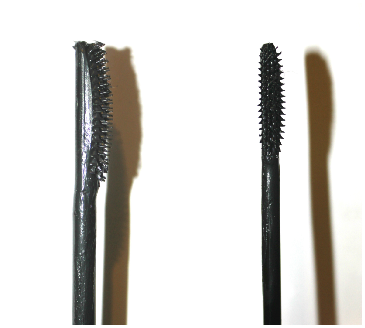 02534e318fe This mascara has a very smooth consistency which glides on a dream without  caking or clumping up your lashes. It is enriched with silk extract and is  ...