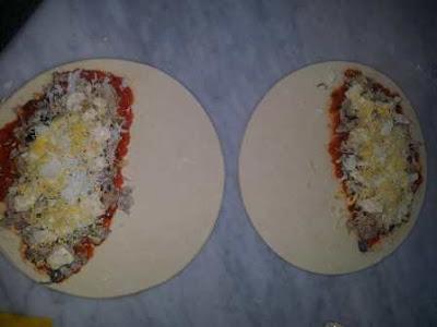 بيتزا أو سوفلي بالعجين المورق روعة