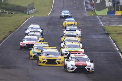Volta de apresentação da etapa cascavelense da Sprint Race Brasil em 2017 (crédito da foto - Luciano Santos)