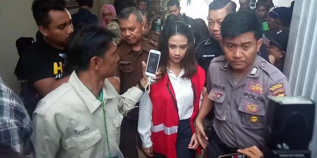 Divonis 6 Bulan Penjara, Vanessa Angel Ingin Dibebaskan