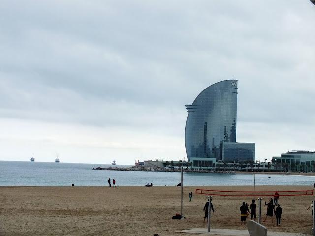 paseo marítimo y parque olímpico de Barcelona