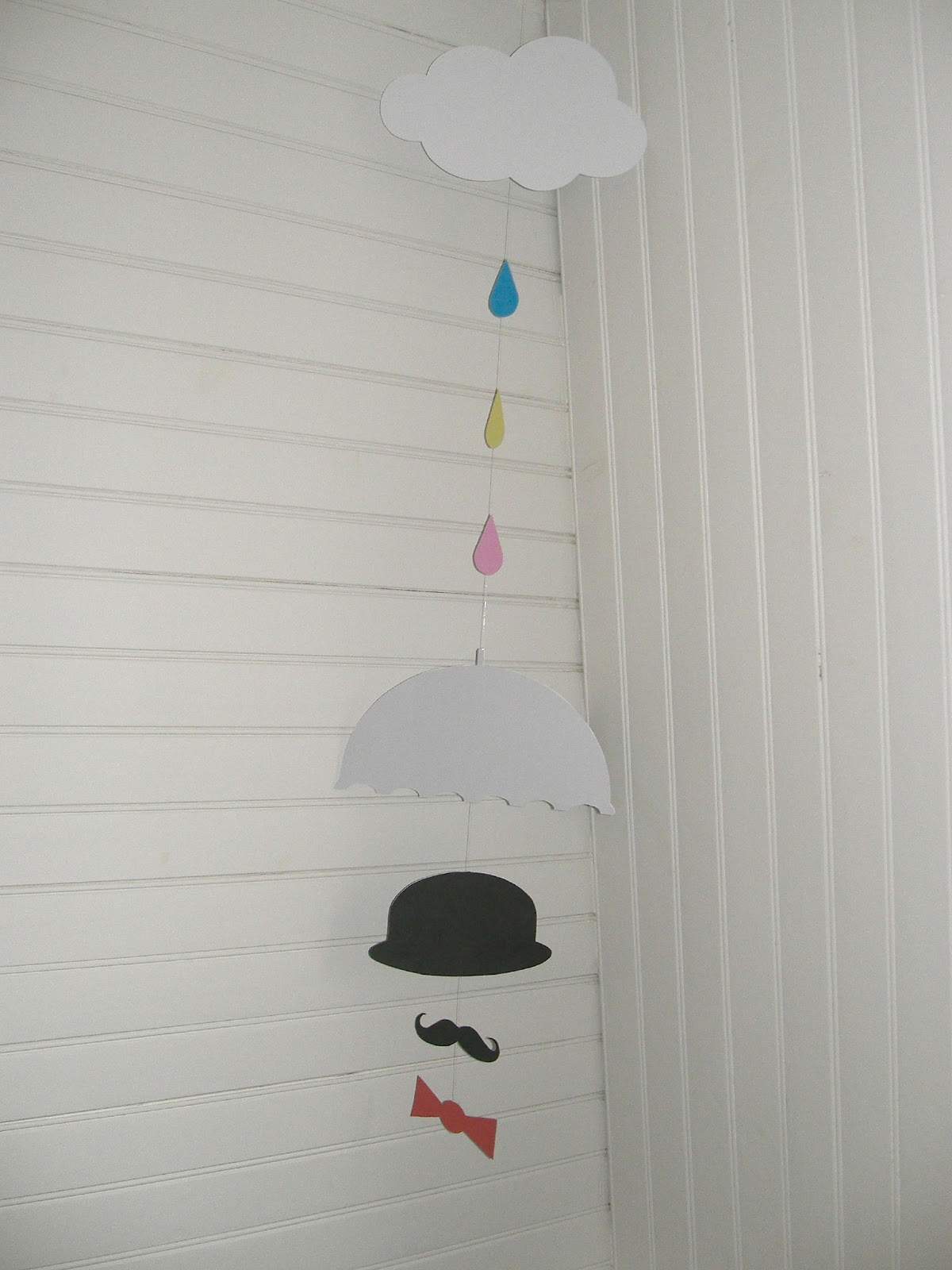 gabulle in wonderland mobile gentleman in the rain t l charger. Black Bedroom Furniture Sets. Home Design Ideas