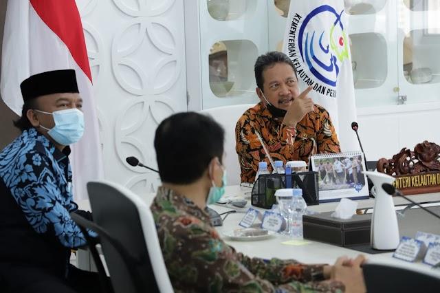15.000 Nelayan Tegal Siap Gunakan Alat Tangkap Ramah Lingkungan