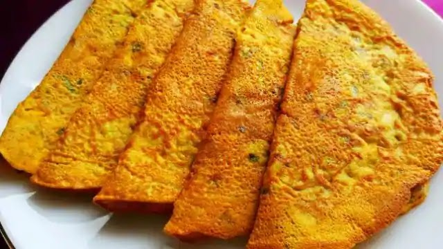 How to make moong dal and paneer chilla for breakfast