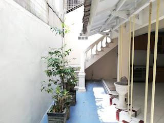 Halaman Belakang Rumah Second Murah FULLY FURNISHED, kondisi cantik, mulus, terawat di Tasbi 1 Medan