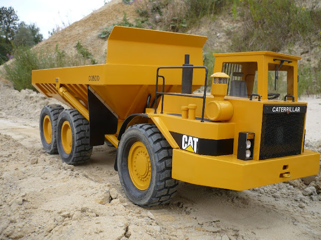 Gambar Dump Truck Caterpillar Cat d350