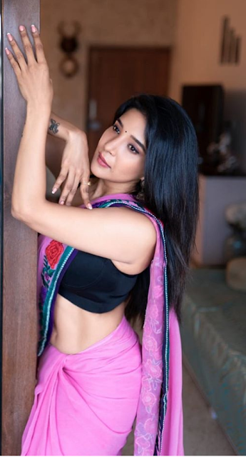 Indian Actress Sakshi Agarwal Photos