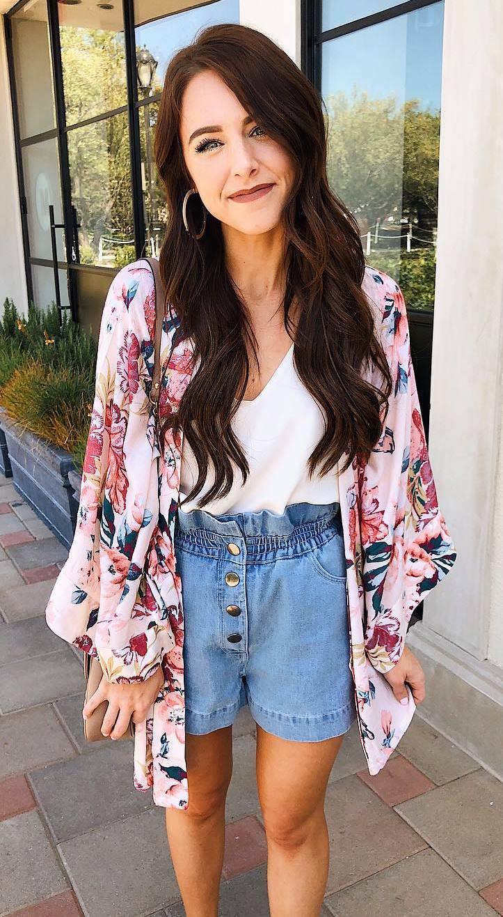 summer fashion trends / floral kimono + white top + high waist shorts