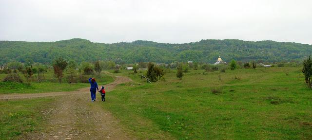 Путь к селу Розгирче