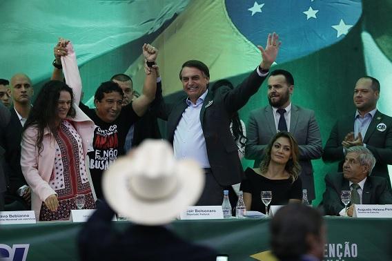 Foto de Jair Bolsonaro na campanha de 2018