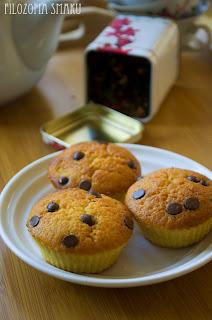 (Muffiny pomarańczowe z czekoladą