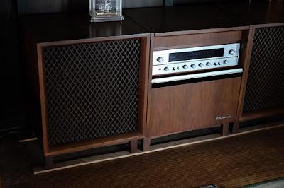 長野県生坂村の古民家カフェ ひとつ石 レコード機器
