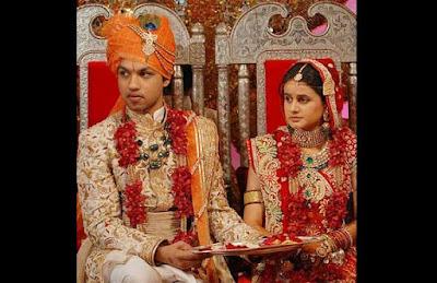Saurabh Dhoot dan Radhika Singhal