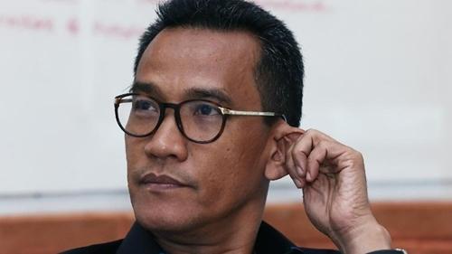 Jokowi Disebut Guardian of Oligarch, Refly Harun: Jangan Halangi