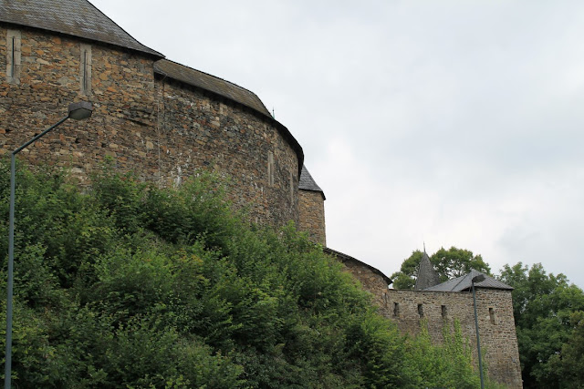 Schloss Burg Solingen Bergfried Ausflugstipp Ferientipp mit Kindern Bergisches Land